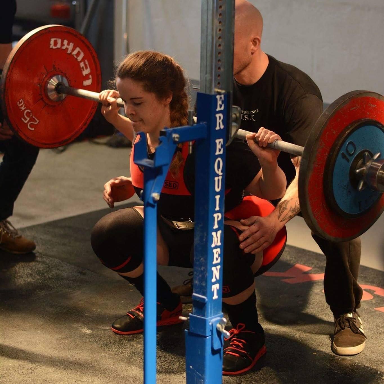 Marie Louise Veigert i bunden af et squatforsøg. Photocredit: Traningday.dk